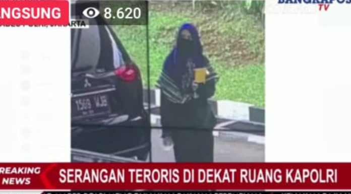 Teroris Perempuan Serang Mabes Polri, Netizen: Pelaku Bercadar Belum Tentu Muslim!