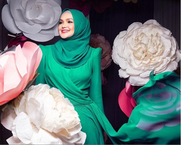 Lirik Lagu Terang Nyanyian Dato' Sri Siti Nurhaliza