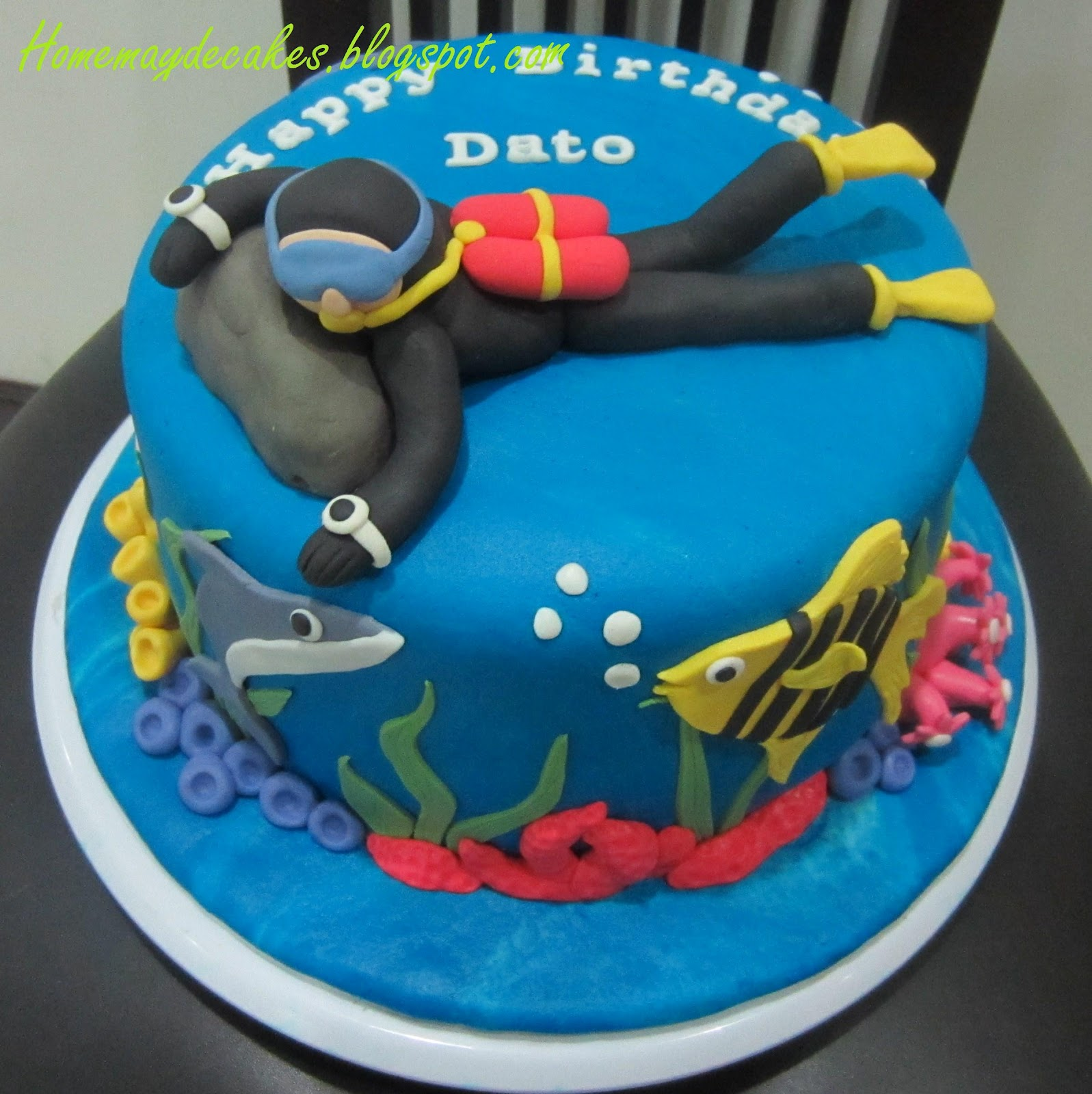 The Making Scuba Dude Cake and his Underwater friends & Home Mayu0027de Cakes: The Making: Scuba Dude Cake and his Underwater ...