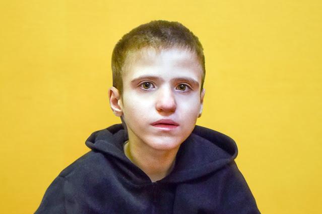 В Москве спасают мальчика, который «проспал» семь лет, не развиваясь