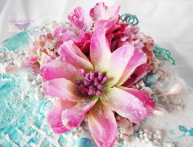 kompozycja z różowych kwiatów