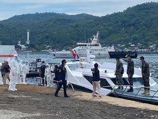Kapal Pangkalan PLP Bitung Evakuasi 2 Jenazah  ABK Repatriasi  Kapal  RRT