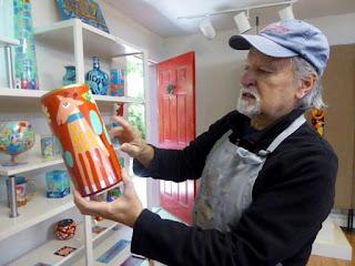 Artist washington ledesma in shop