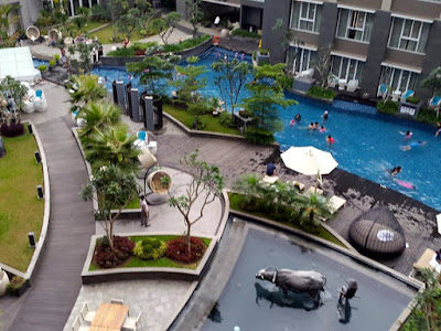 Swimming Pool at Hotel Mercure Bandung Setiabudi