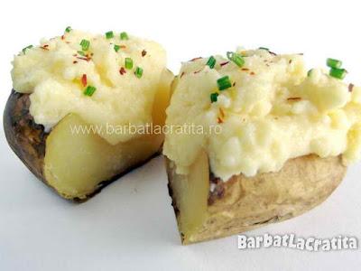 Cartof copt cu smantana taiat pe jumatate (imaginea retetei)