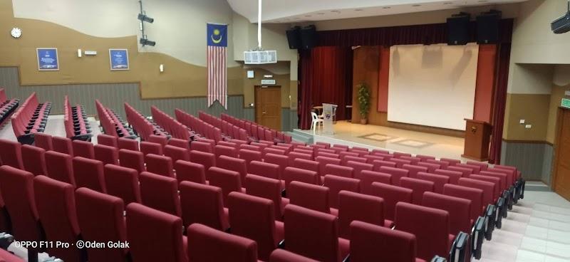 Koleksi Kad Mahasiswa Universiti Malaya (1991-97)