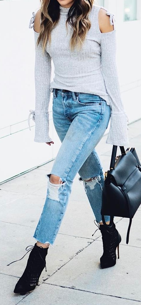 spring outfit: top + ripped jeans + heels