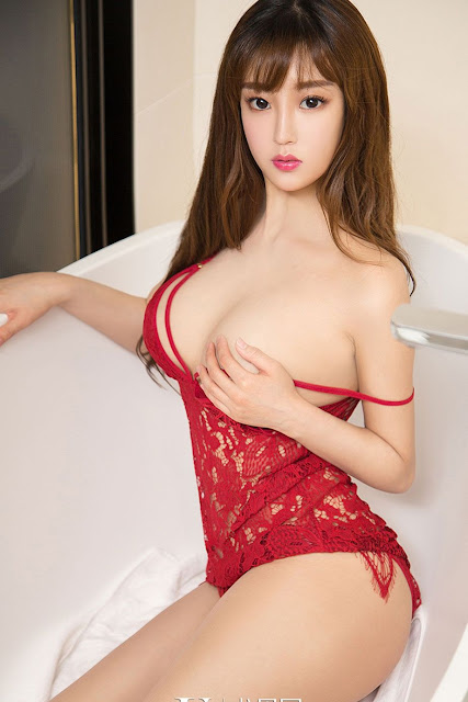 Hot and sexy big boobs photos of beautiful busty asian hottie chick Chinese booty model Yan Yan photo highlights on Pinays Finest sexy nude photo collection site.