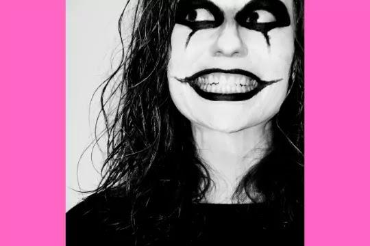 horror look girl