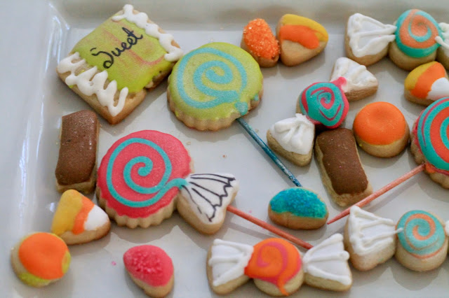 Candy shaped decorated cookies @ www.thecookiecouture.com