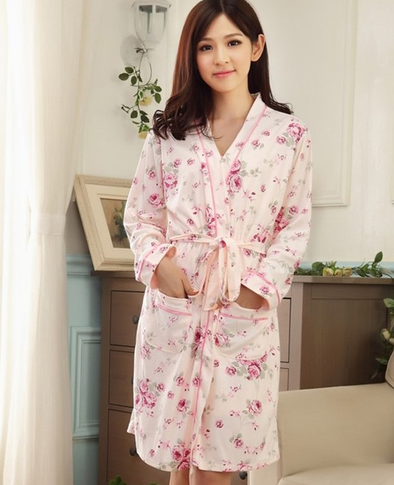 Áo choàng kèm váy ngủ dễ thương kín đáo