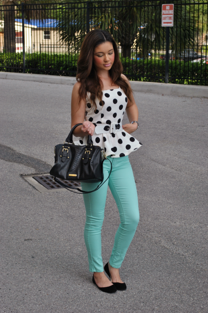 peplum top outfit, polka dot, choies peplum top, charlotte russe skin tight leggings, steve madden bag, bamboo flats