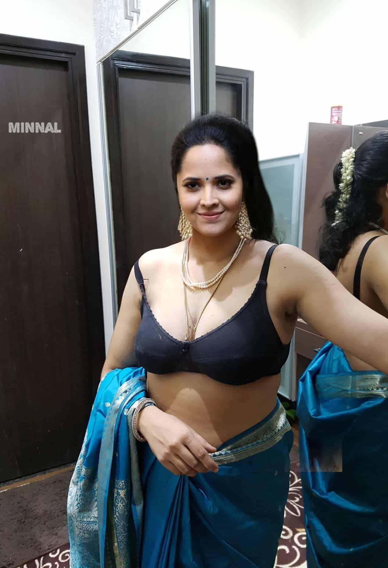 Anchor Anasuya Bharadwaj Sexy Cleavage Photos
