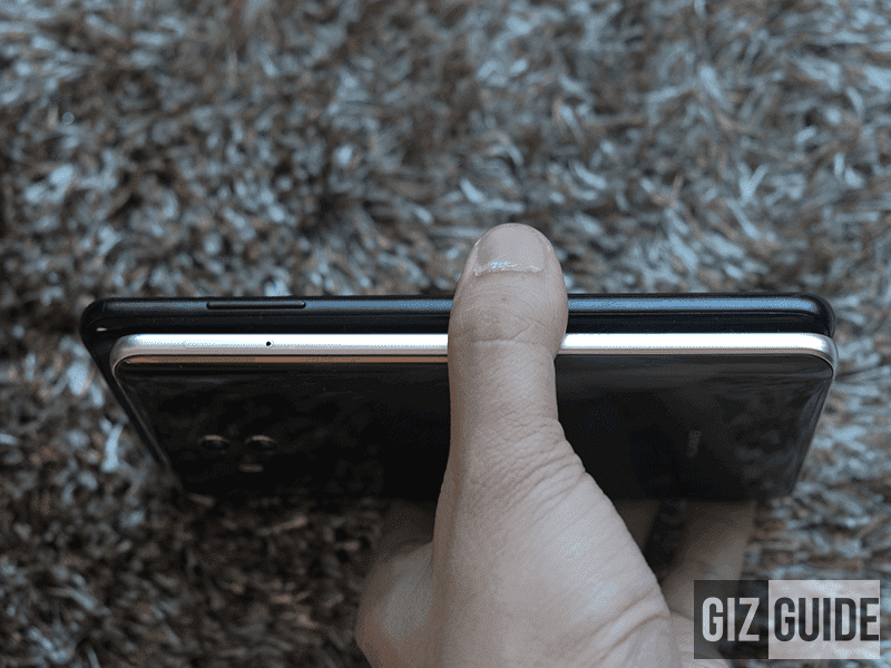 A8+ (2018): Volume rocker; Mate 10: SIM card tray