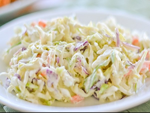 Way to work a salad of cabbage and carrots with mayonnaise