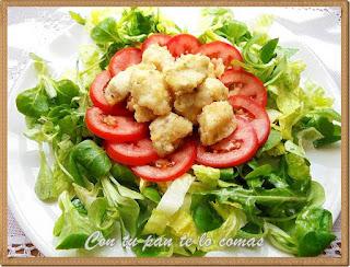 Ensalada con pollo frito