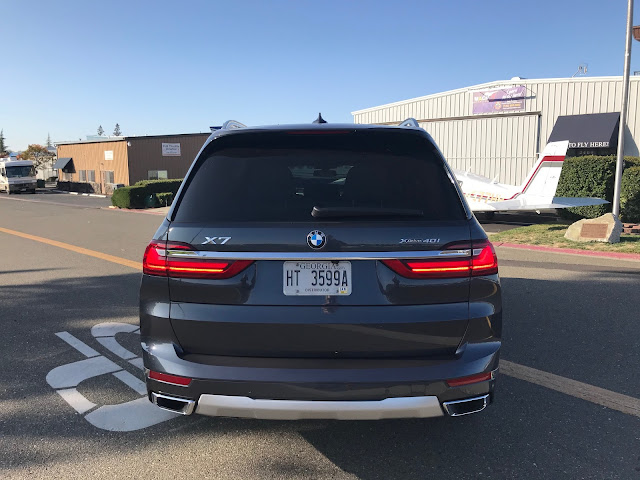 Rear view of 2019 BMW X7 xDrive 40i
