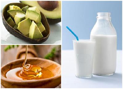 Trị tàn nhang bằng cách kết hợp mật ong, bơ và sữa tươi