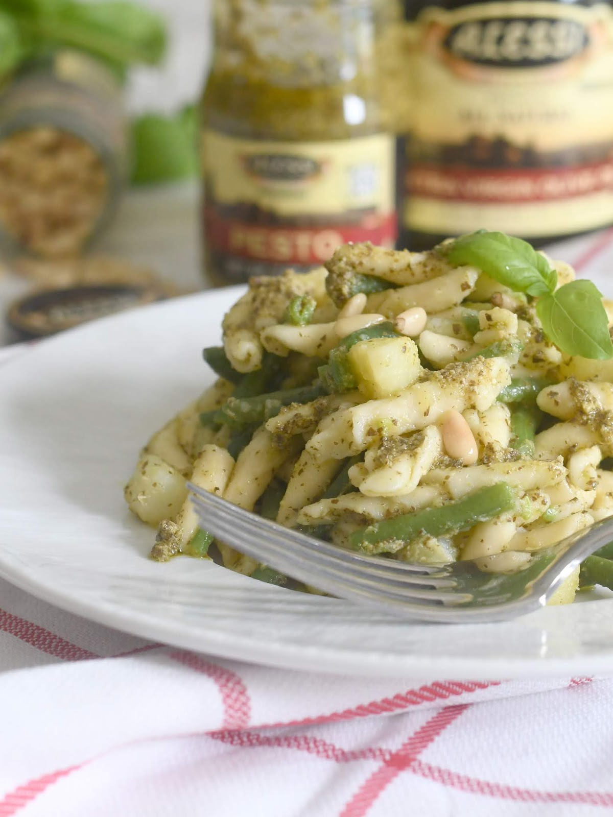 Traditional Ligurian Pasta with Pesto, Potatoes and Green Beans