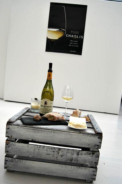 Wein mit Käse auf Holziste | pastasciutta.de