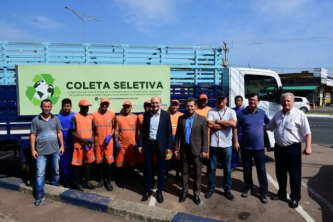 Prefeitura apresenta os novos caminhões da coleta seletiva em Cachoeirinha
