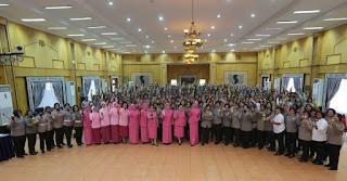 Berkunjung Ke Medan , Ibu Kapolri Berikan Pesan Untuk Polwan Di Sumut