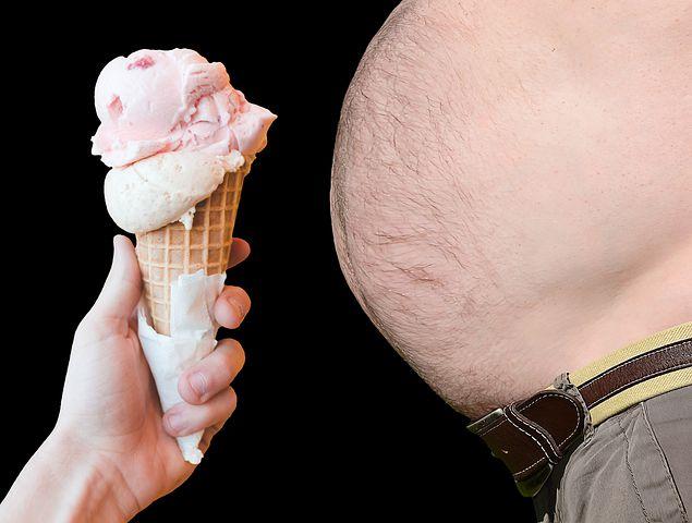 لن تصدق .. ماذا يحدث لجسمك اذا توقفت عن تناول السكر ؟