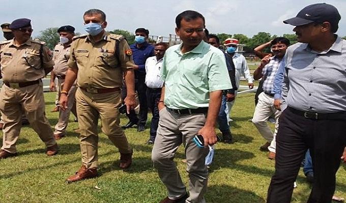 सैदपुर में कमिश्नर और आइजी ने लिया CM योगी के कार्यक्रम स्थल का जायजा