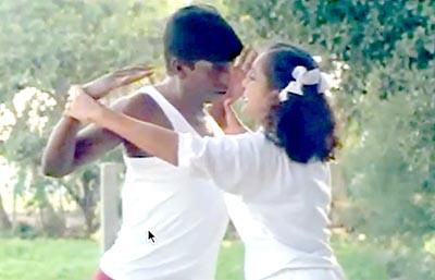 Vadivelu Romantic Excersice With Teacher : Rajavin Parvaiyeli
