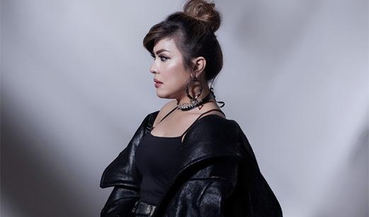 Lirik Lagu Terbaik Kedua - Novita Dewi