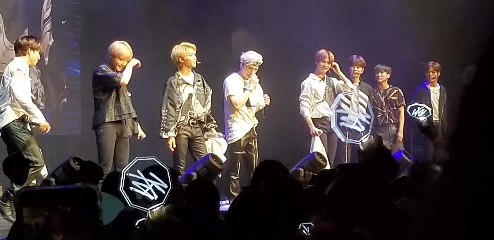 It's All About Books: Concert Review: STRAY KIDS in LA May 17, 2019
