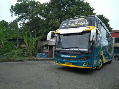 Foto Bus Garuda Mas Darkside