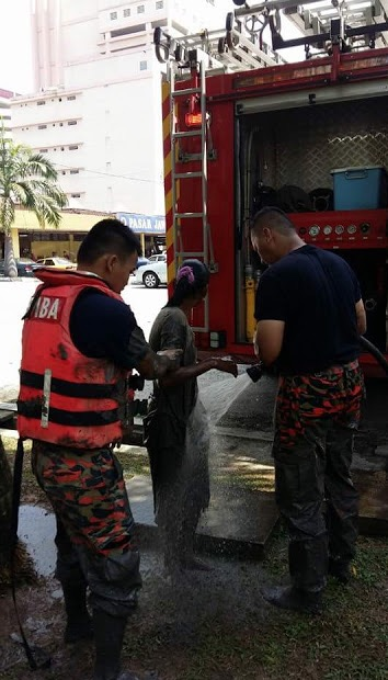 Niat Nak Bunuh Diri Tapi Tersangkut di Lumpur