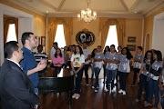 Foto com estudantes de Trizidela do Vale vira debate político envolvendo o deputado Vinicius Louro