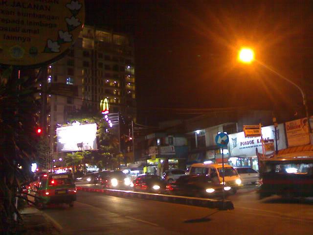 Cerita Misteri Wanita Berbaju Hitam di Simpang Dago Bandung