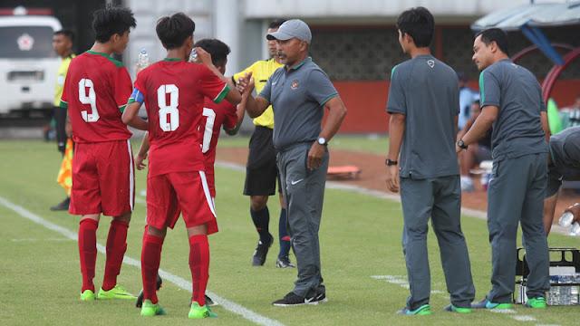 Pelatih Timnas Indonesia Fakhri Husaini Menyampaikan Seharusnya Pemain U-16 Dapat Menang Lebih Besar