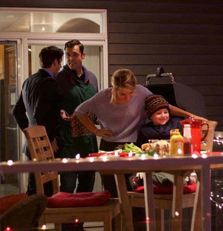 Its A Wonderful Movie Your Guide To Family And Christmas Movies On Tv Lifetime Christmas Movie A Gift Wrapped Christmas