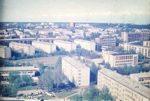 1984 год. Рига. Пурвциемс. Снимок сделан с 18-ти этажки на улице Мадонас, 23 (фото любезно предоставил Олег Смолянинов)