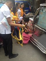 These Students From Tondo Went Viral After They Helped out a Poor Old Woman! WATCH HERE!