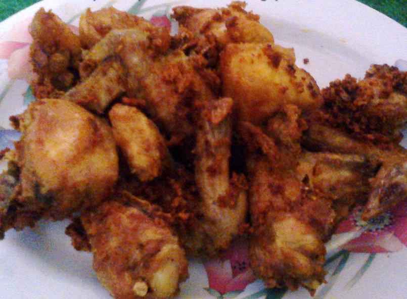 Resep Ayam Goreng Gurih Bumbu Sederhana dan Sambal Tomat