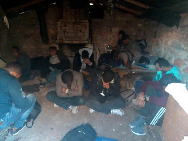 15 profughi sono stati catturati nel porto di Valona, mentre cercavano di venire in Italia