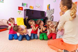 niños imitando a los adultos, infancia de Jesús