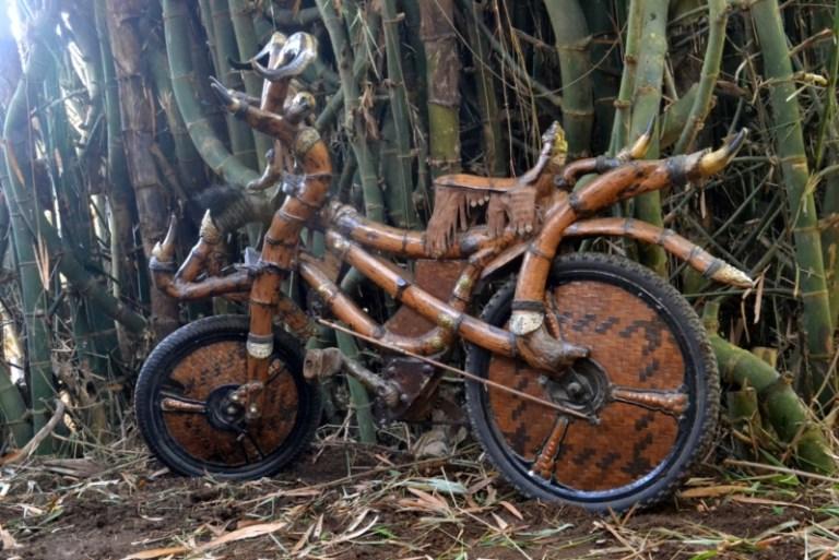 Model sepeda bambu antik dan cara memuatnya