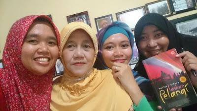 Bertemu Bu Muslimah Laskar Pelangi Belitung