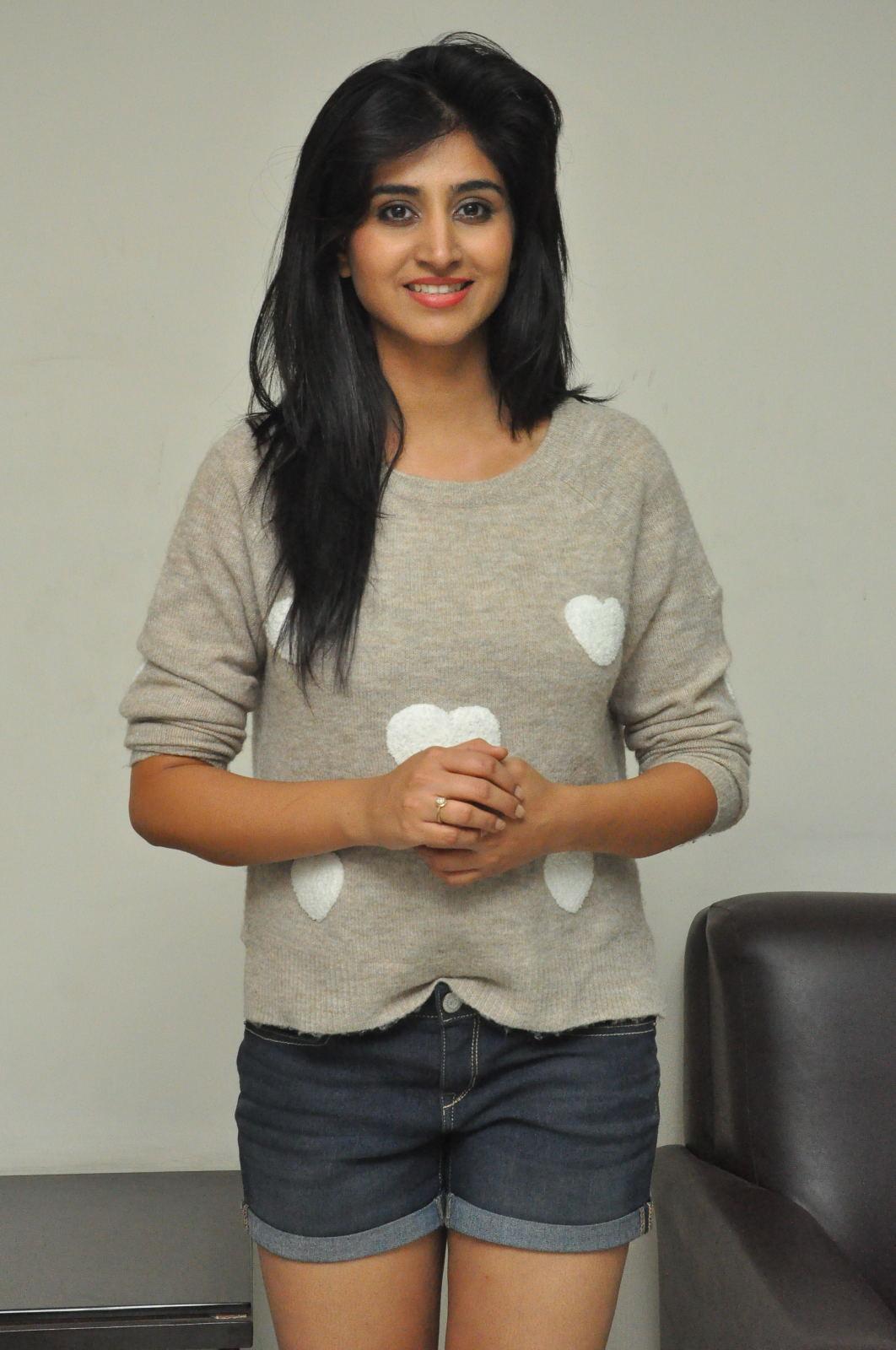 Shamili new cute photos gallery-HQ-Photo-8