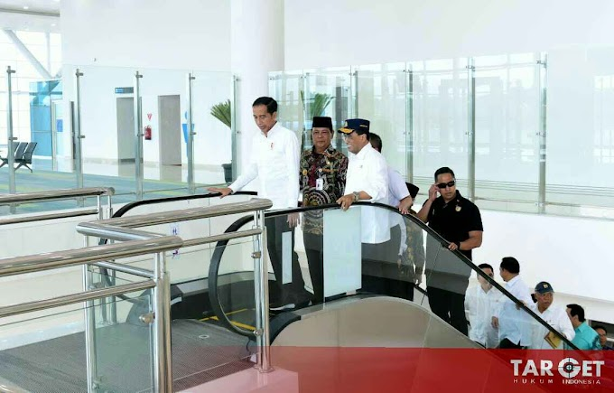 Presiden Joko Widodo Kagumi Terminal Baru Bandara Internasional Syamsuddin Noor