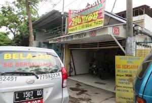 Tempat Kursus Mengemudi Mobil di Surabaya