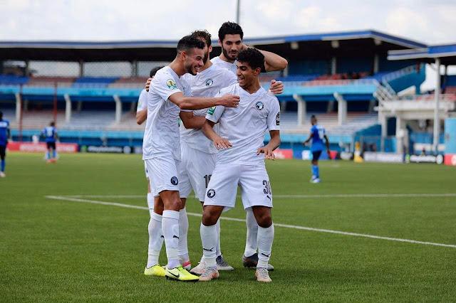 موعد وحكام مباراة بيراميدز والرجاء المغربي