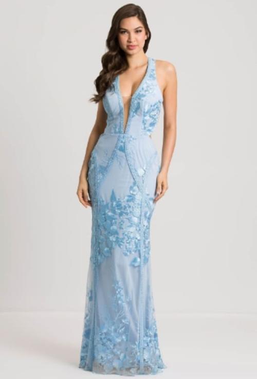 vestido de festa longo azul serenity rendado para casamento durante o dia