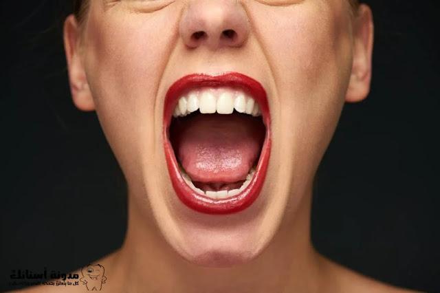أسباب تسوس الأسنان من الجنب.
